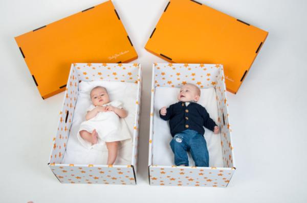 რატომ სძინავთ ფინელ ბავშვებს ყუთებში?