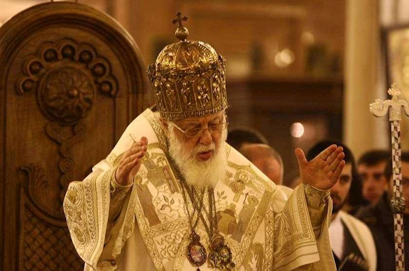ილია II: საჭიროა დიდი ყურადღება, რომ მიწიერმა, ხორციელმა არ გაიტაცოს ადამიანი