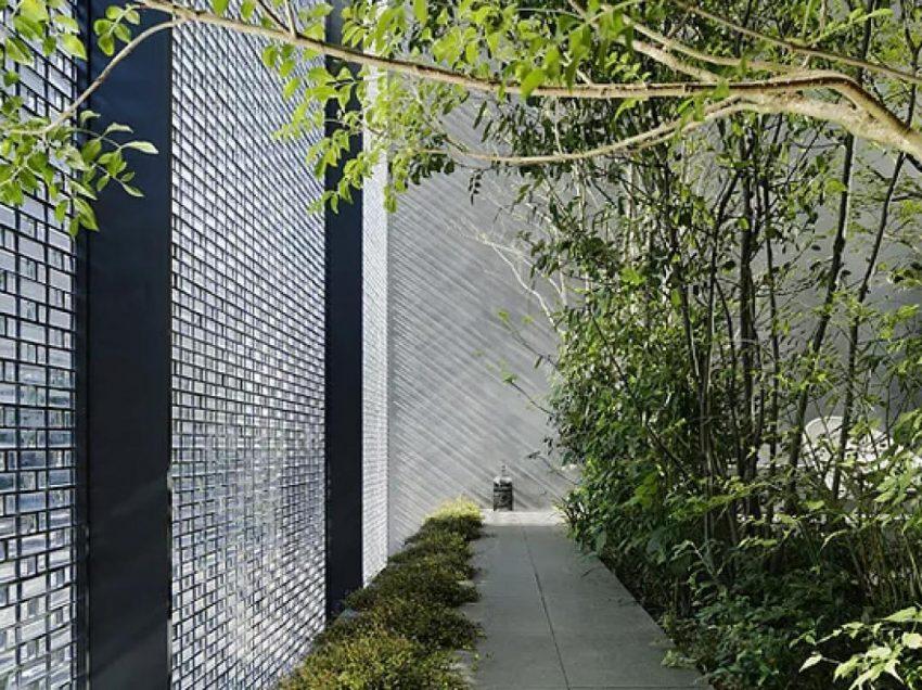 ინოვაციური სახლი, რომლის კედლების ნაწილი მთლიანად ოპტიკური შუშისგან არის აშენებული