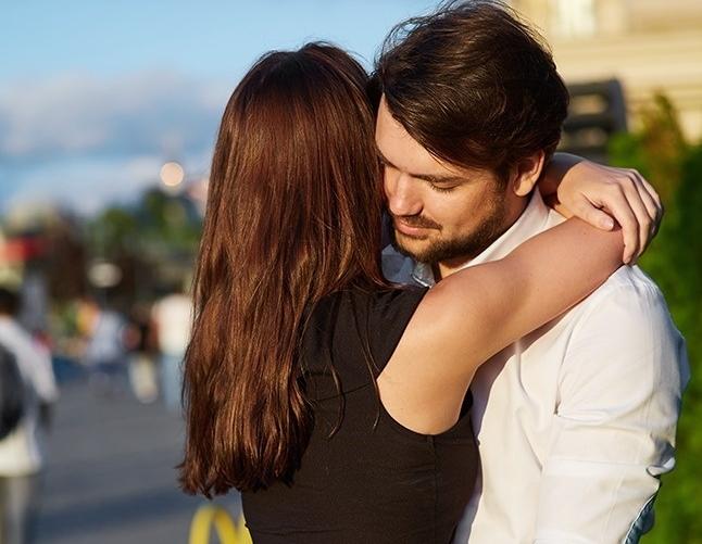 9 სახის ჩახუტება, რომელიც მამაკაცის ქალისადმი დამოკიდებულებაზე მეტყველებს