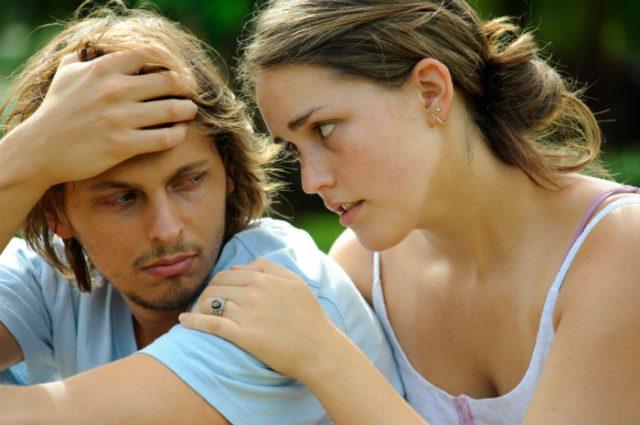 10 იდუმალი რამ, რასაც მამაკაცი მეუღლისგან ფარულად აკეთებს