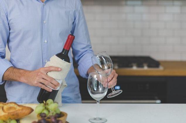 სასმელი, როგორც დაბადების დღის საუკეთესო საჩუქარი – როგორი სასმელი უნდა აჩუქოთ მამაკაცს