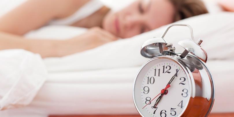 თუ ძილისთვის საკმარისი დრო არ გრჩებათ – 5 გზა იმისთვის, რომ ამ ფაქტმა პროდუქტიულობა არ შეამციროს