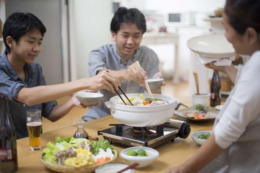 """იაპონიაში მარტოხელებს """"ოჯახის დაქირავების"""" სერვისს სთავაზობენ"""