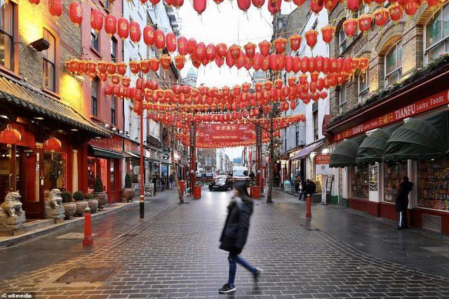 """ლონდონის """"ჩაინათაუნიდან"""" """"მოჩვენებების ქალაქამდე"""" – ცარიელი ქუჩები, მაღაზიები და შენობები (ფოტო)"""
