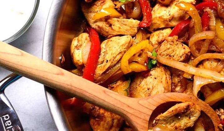 თუ მაცივარში ქათმის ფილე გაქვთ და რაიმე გემრიელის მომზადება გსურთ, ეს რეცეპტი თქვენთვისაა