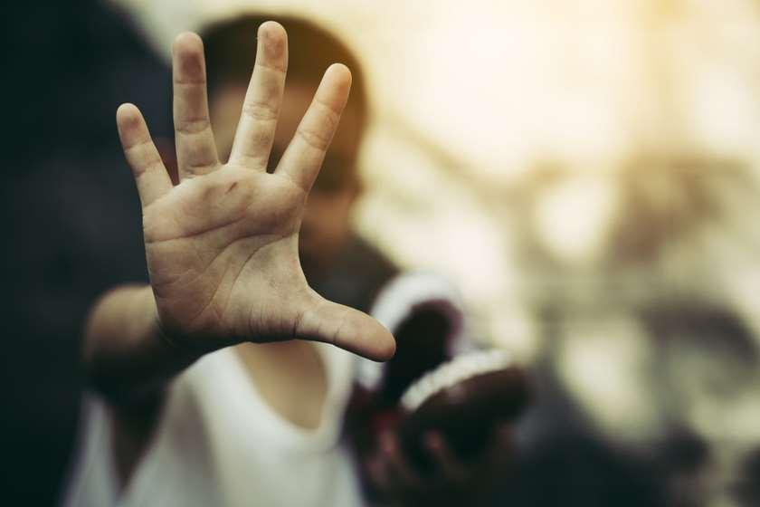 ავსტრალიაში 9 წლის ბიჭმა, რომელსაც ჯუჯობისთვის აბულინგებდნენ, ჰოლივუდის ვარსკვლავების მხარდაჭერა მიიღო