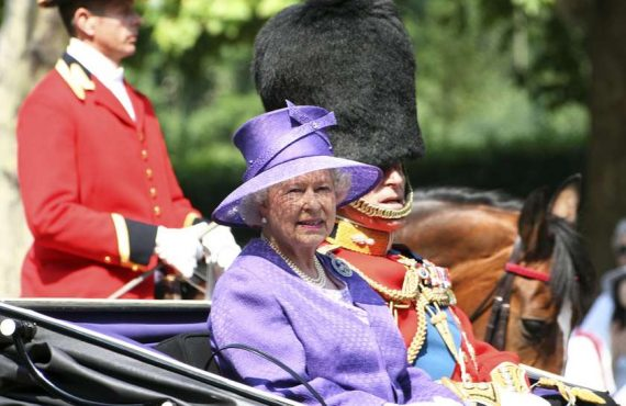 დედოფალ ელისაბედ II-ის ბავშვობის ჩანახატები იპოვეს