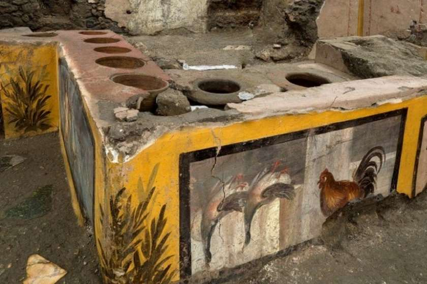 """პომპეიში 2 ათასი წლის წინ არსებული """"სწრაფი კვების"""" დახლი აღმოაჩინეს"""