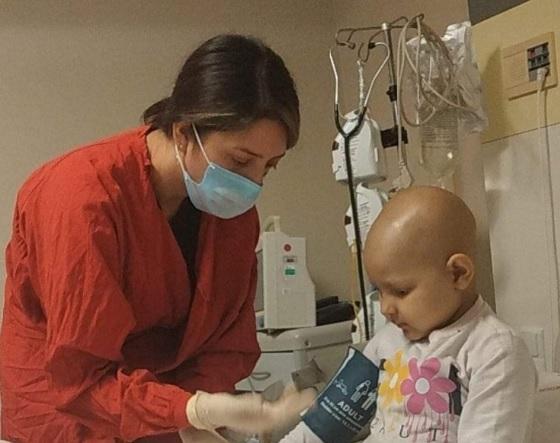პატარა ელენეს საზოგადოების დახმარება სჭირდება – ის უკვე მეორედ ებრძვის ვერაგ დაავადებას, ლეიკემიას