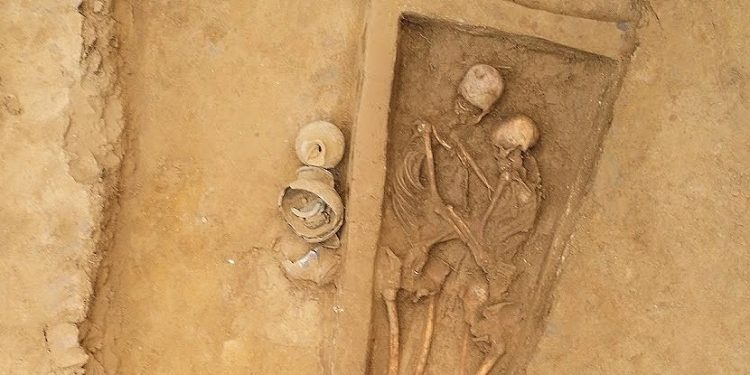 მარადიული ჩახუტება – 1500 წლის წინანდელი სიყვარულის ისტორია და წყვილის საერთო საფლავი