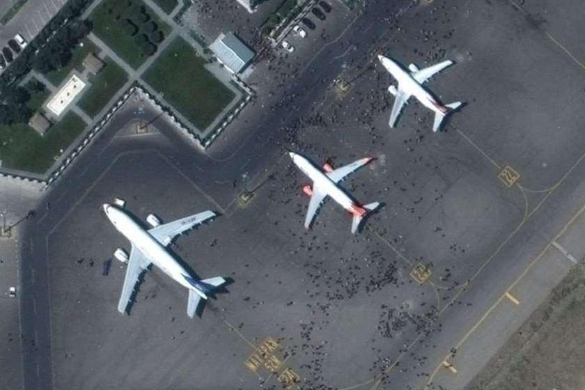 უცნობმა პირებმა გაიტაცეს თვითმფრინავი, რომელსაც ქაბულიდან უკრაინის მოქალაქეები უნდა გამოეყვანა