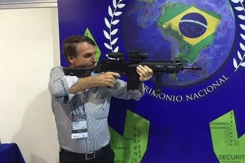 ბრაზილიის პრეზიდენტი: ყველა მოქალაქემ თითო ცეცხლსასროლი იარაღი უნდა შეიძინოს