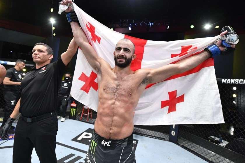 UFC-ის ღონისძიების მთავარ ბრძოლაში გიგა ჭიკაძემ ედსონ ბარბოზა ნოკაუტით დაამარცხა