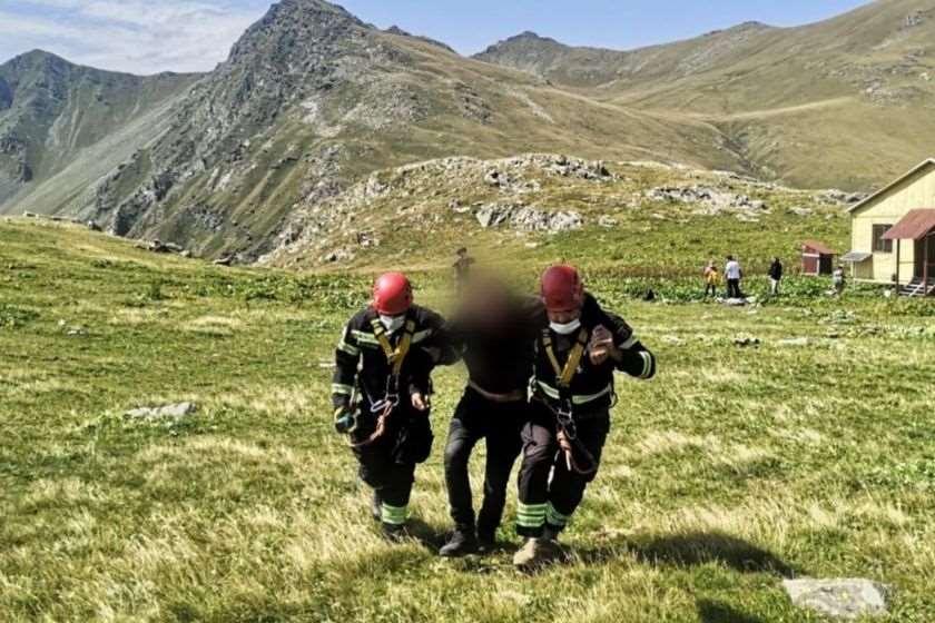 მაშველებმა ლაგოდეხის დაცულ ტერიტორიაზე შეუძლოდ მყოფი ტურისტები თბილისში გადმოიყვანეს