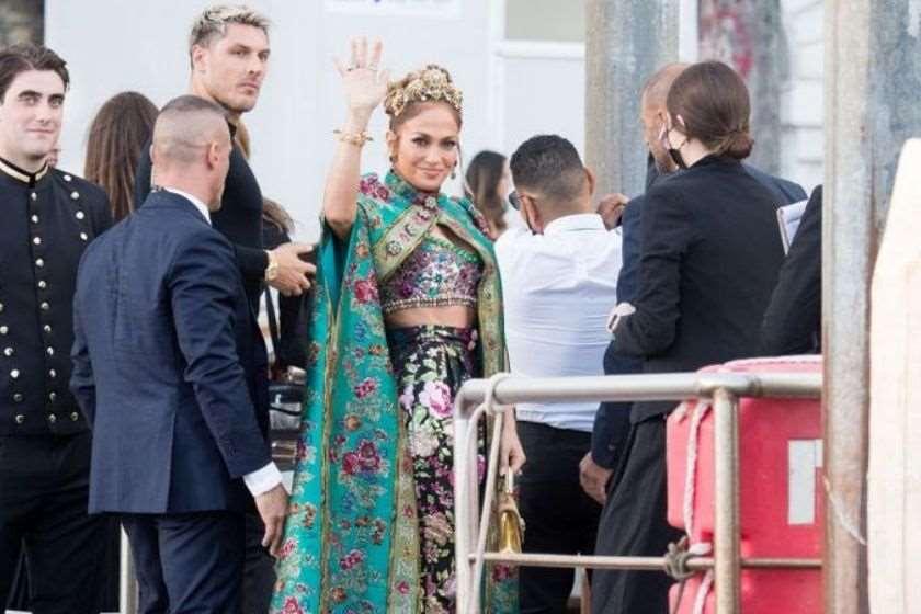 რა ეცვათ ვარსკვლავებს Dolce & Gabbana-ს ჩვენებაზე ვენეციაში. ფოტოგალერეა